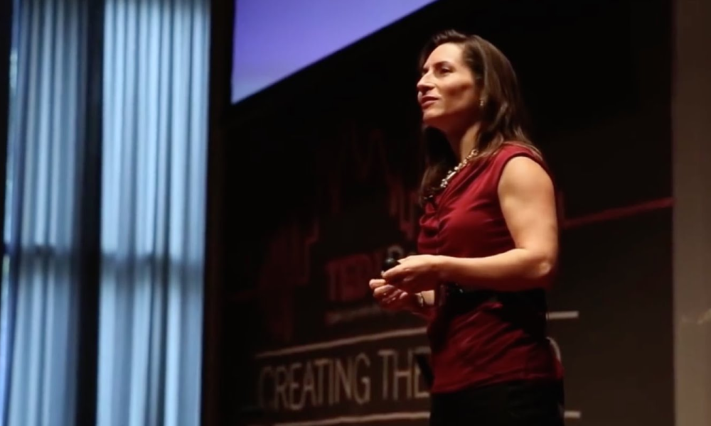 Laura Sicola: Want to sound like a leader? Start by saying your name right